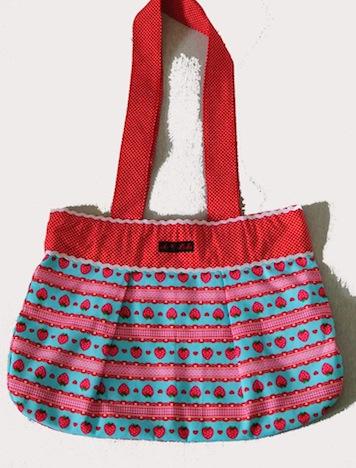 A*Nuke  Erdbeer Tasche 2