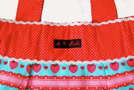 A*Nuke  Erdbeer Tasche 3