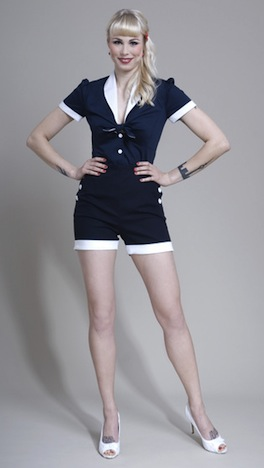 Frozen Hibiscus Sailor Knotenbluse Shorts