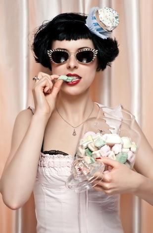 Die Zwillingsnadeln- Miss Cupcake (Press)