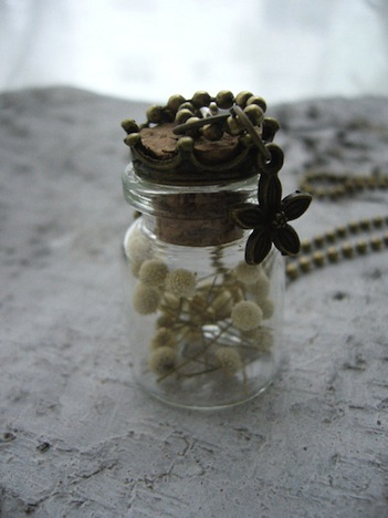 Miss Nelly Flaeschchen mit echten Trockenblumen 3