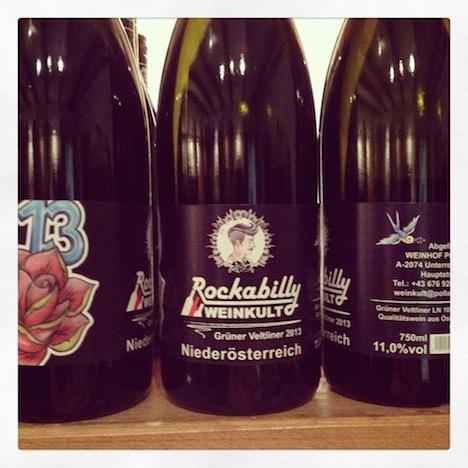 Rockabilly Weingut Interview 3 Weine Weinflaschen Pinup-Fashion-Magazin