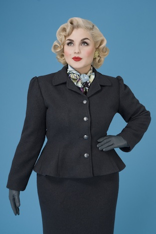 Frozen Hibiscus Berliner Alpenrosen Barbara Jacket grey front Musthave der Woche Pinup-Fashion-Magazin