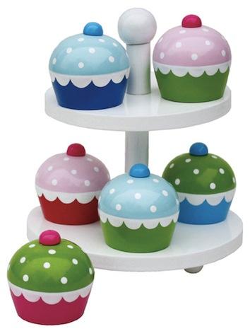 Nostalgie im Kinderzimmer K9958_q JaBaDaBaDo Holzspielzeug  Etagere mit Cupcakes