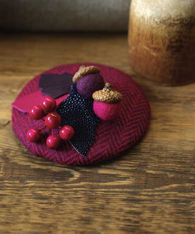 Jazzafine Tweed Fischgrat Huetchen Fascinator lila aubergine 1