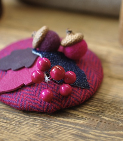 Jazzafine Tweed Fischgrat Huetchen Fascinator lila aubergine 2