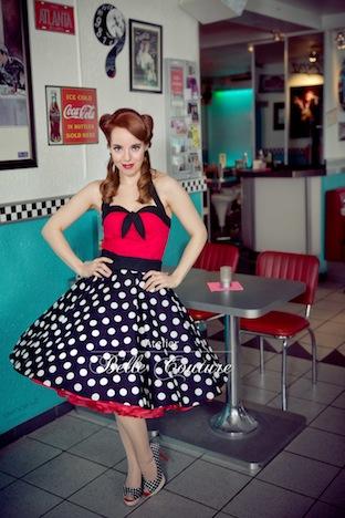 Atelier Belle Coture 50er Jahre Rockabilly Petticoatkleid  Polka Dots Petticoat BW0A8543