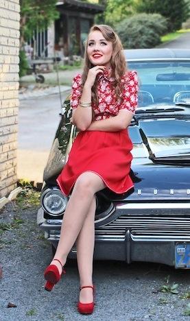 miyas Modelabel Bluse mit Rosenmuster Musthave der Woche Pinup-Fashion-Magazin_bild_1
