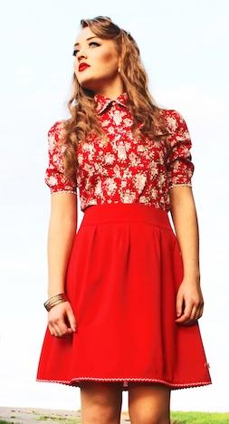 miyas Modelabel Bluse mit Rosenmuster Musthave der Woche Pinup-Fashion-Magazin_bild_2