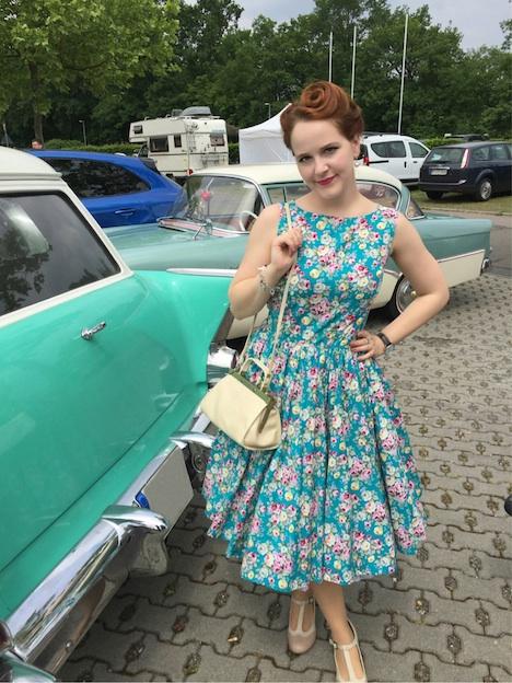 Corazonisima vom Blog Vintaliciously auf dem Walldorf Weekender 2015: Kleid - Lindy Bop, Handtasche - Flohmarktfund, Schuhe - Deichmann