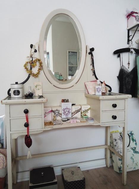 Vive Maria Designerin Simone Franze Style of the Week Kosmetiktisch