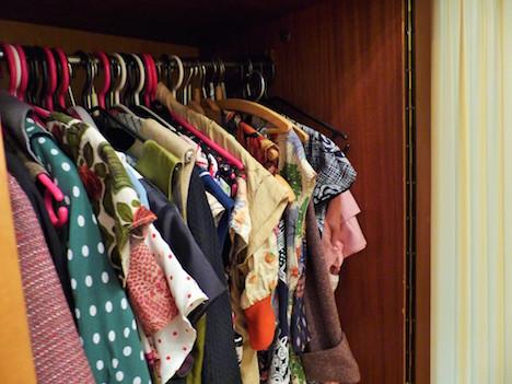 Judy, Kleiderschrank, alle Kleider org. Vintage