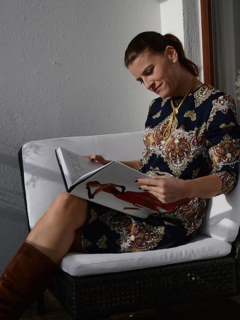 Style of the Week Tanja zur Muehlen Onlineshop wunder-same-vintage Ganzkörper auf Balkon klein