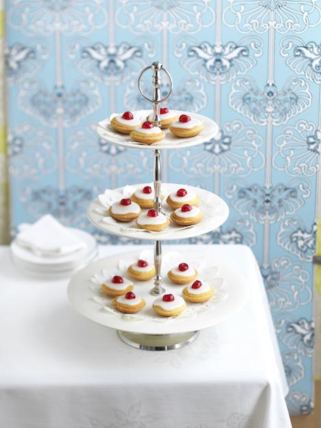 31929HL0524H22 cherry bakewel tarts 021