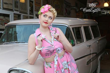 Froilein Adrett Schmuck Set Model Paula Walks IMG_8552_NEU