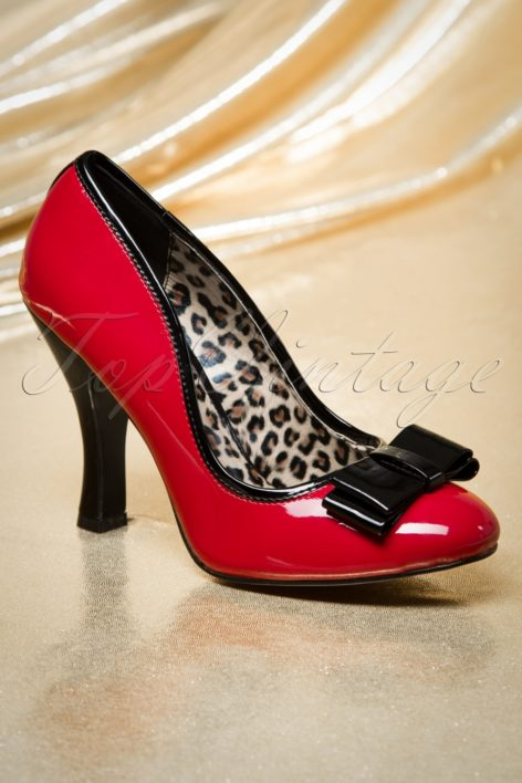 50s Betty Bow Pumps in Red and Black