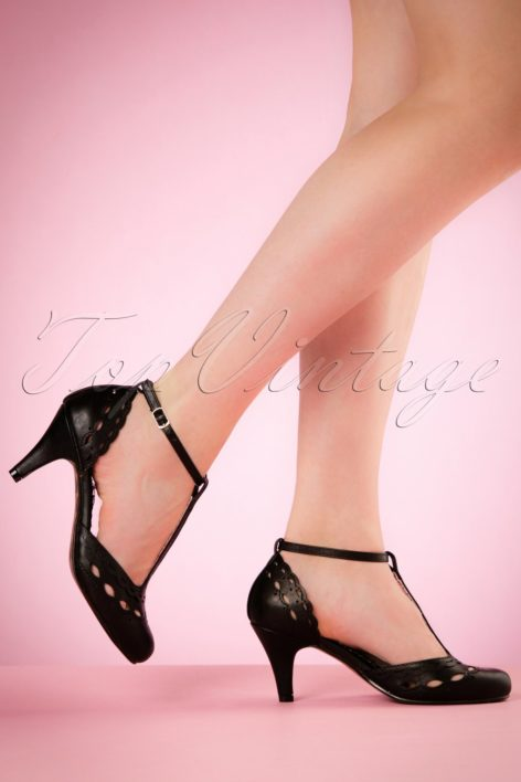 40s Raine T-Strap Pumps in Black