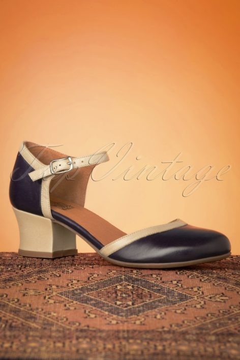 60s Fleet Leather Pumps in Navy and Beige