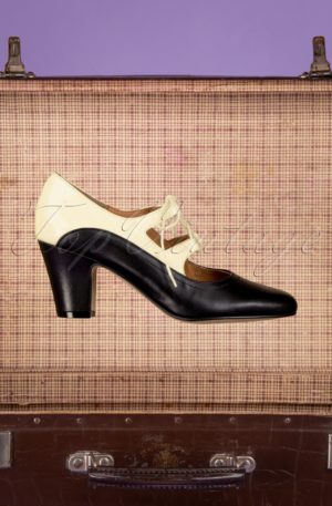 40s Back In Time Leather Pumps in Black and White