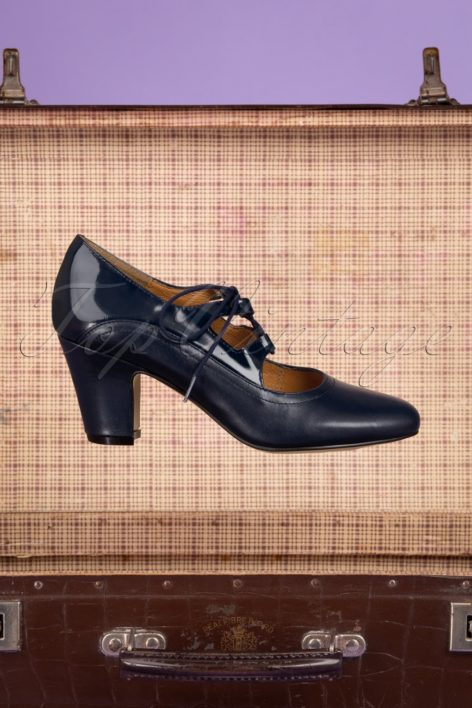 40s Back In Time Leather Pumps in Navy