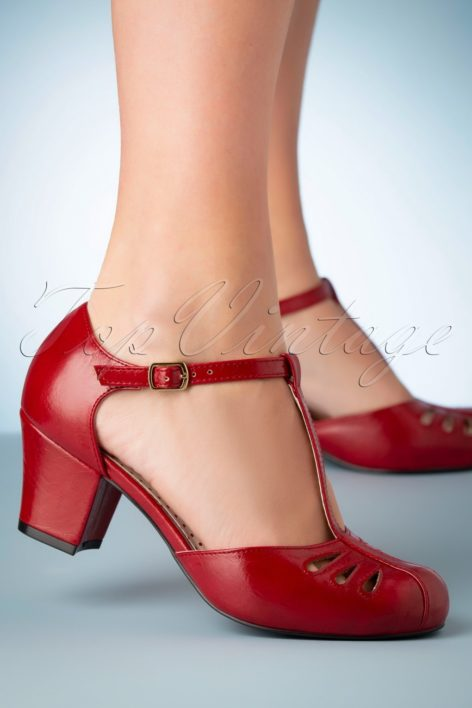 40s Robbie T-Strap Pumps in Matte Red