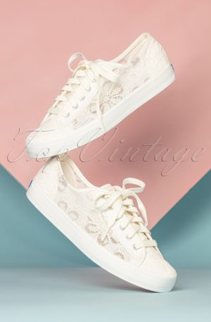 50s Crochet Kickstart Floral Sneakers in Cream