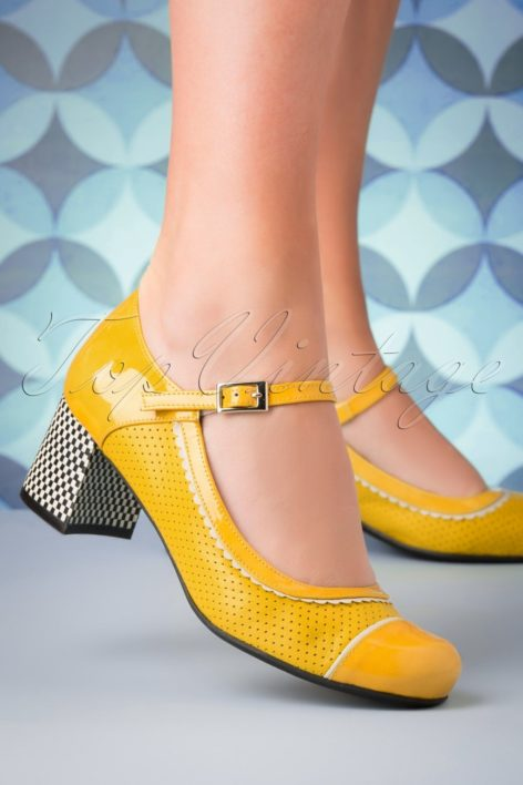 60s Vintage Piso Leather Pumps in Yellow