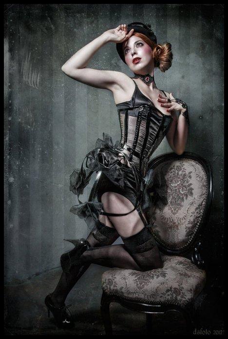 ponyklau burlesque_resize