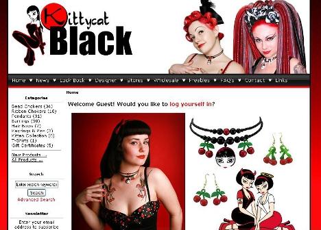 Warum sollte man einen Onlineshop nur für Rockabilly Accessoires aufsuchen, wenn es Schmuck, Gürtel und Haarschleifen auch bei anderen Shops zu kaufen gibt?