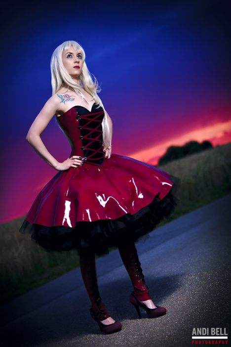 latex petticoat kleid