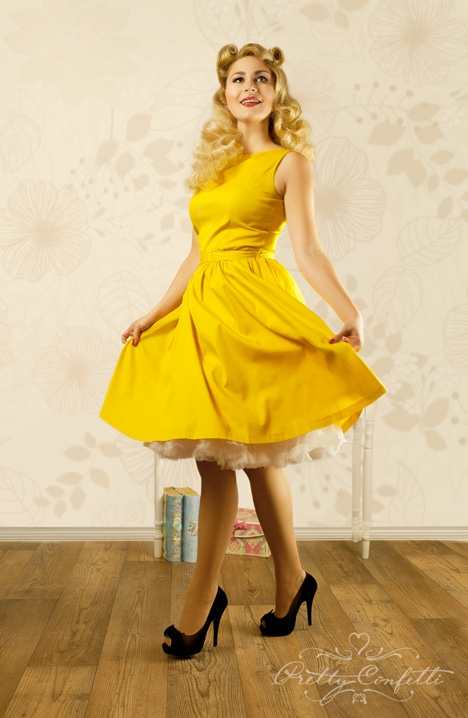 74a62eefc09b7e audrey-hepburn-vintage-rockabilly-swing-dress_model Kopie