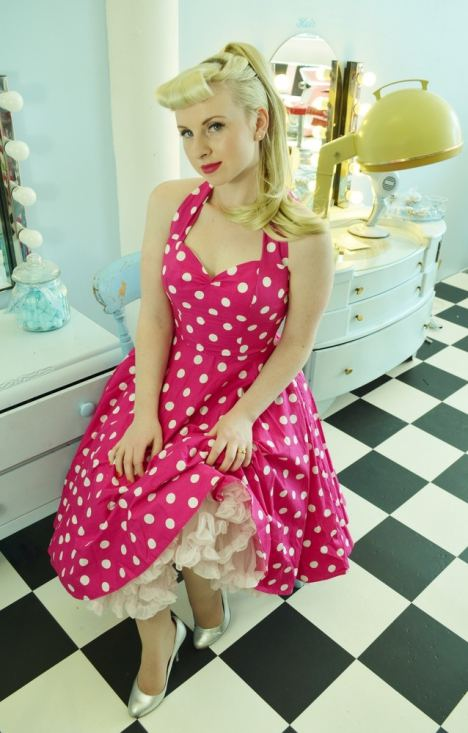 Renee_Rouge_LeKeux_The_Vintage_Salon_Soda_Shop_Vintage_Oh_My_Honey_50s_diner_hair_make-up_9